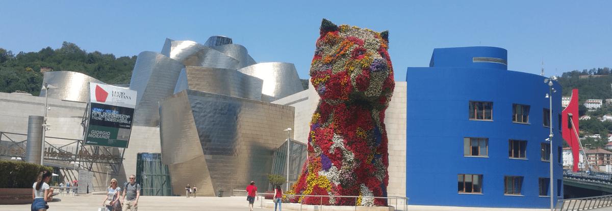 Guggenheim Bilbao & Puppy sculpture