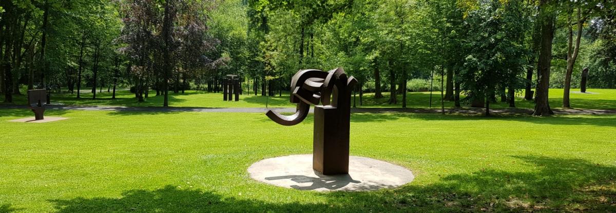 Museo Chillida-Leku - esculturas en el bosque